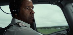 Denzel on plane in Flight