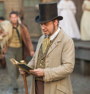 Paul Giamatti as Freeman reading - 12 Years A Slave