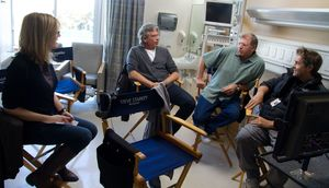 Robert Zemeckis behind the scenes in the hospital - Flight