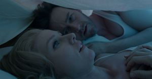 Naomi Watts with Edward Norton under the blanket - Birdman