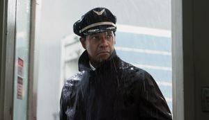 Denzel Washington in the rain - Flight
