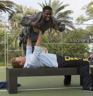 Will Ferrell, Kevin Hart bench press - Get Hard