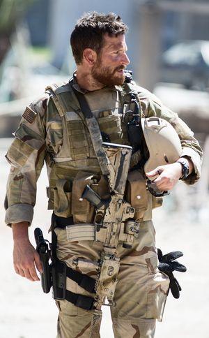 Bradley Cooper, full gear, Chris Kyle - American Sniper