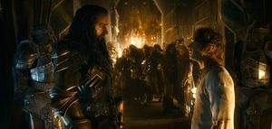 Bilbo Baggins and Thorin Oakenshield have a chat in The Batt
