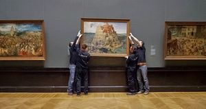 Taking down a painting in the Kunsthistorisches Museum, Vien