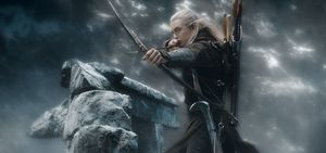 Legolas shoots arrow in The Hobbit: The Battle of the Five A