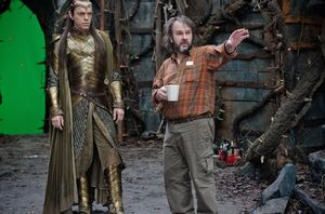 Peter Jackson directing Hugo Weaving as Elrond in front of g