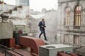 Bond On The Run, On The Rooftop
