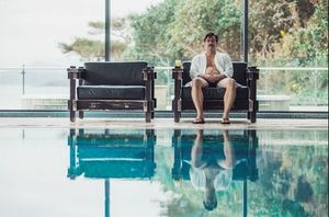 Colin Farrell at the pool in The Lobster