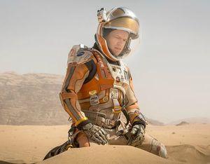 Another shot of Matt Damon on mars in Ridley Scott's new fil