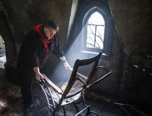 Guillermo del Toro handles old chair in Crimson Peak