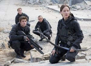 First Look at Jennifer Lawrence in 'The Hunger Games: Mock
