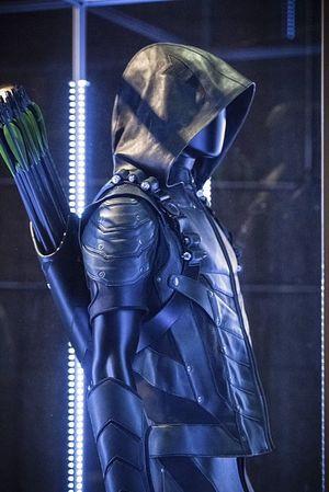 New Green Arrow costume