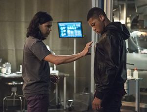 Cisco fits Jax with Firestorm device at Star Labs