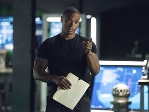 John Diggle arguing with Oliver Queen about Andy Diggle