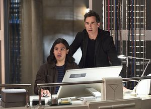 Cisco and Harry at Star Labs