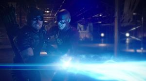 Green Arrow and The Flash battle Vandal Savage