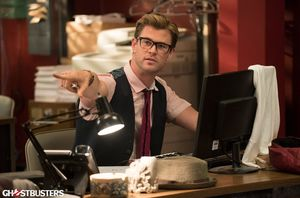 Chris Hemsworth in Ghostbusters (2016)