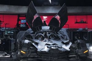 New batmobile shot from Batman v Superman
