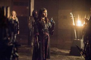 Nyssa Al-Ghul with Lotus antidote to Lazarus Pit