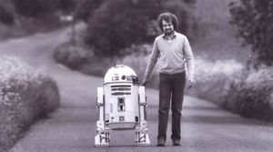 The man behind the original R2-D2, Tony Dyson, Passes away a