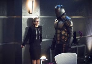 Felicity Smoak during robotic bee attack