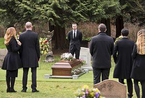 Oliver Queen giving Laurel Lance eulogy