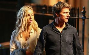 First image of Tom Cruise on the set of 'The Mummy'