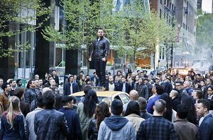 Oliver Queen speaking to citizens of Star City
