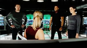 Original Team Arrow + Lyla in lair