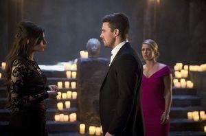 Esrin Fortuna, Oliver Queen, Felicity Smoak