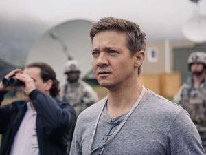 Jeremy Renner as Ian Donnelly