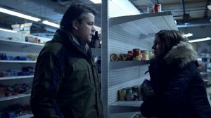 Woman coughs on Matt Damon in Contagion