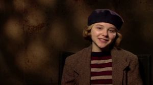 Chloe Moretz on Isabelle and the drawing automaton in Hugo