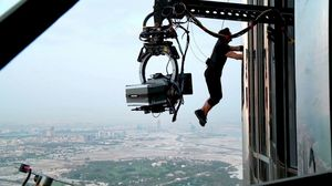 Tom Cruise does his own stunts and climbs the Burj Khalifa
