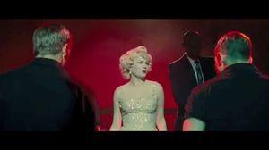 Michelle Williams sings Heatwave in My Week With Marilyn