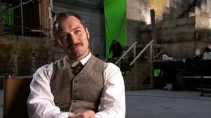 Jude Law talks about the story, Stephen Fry and Jared Harris in Sherlock Holmes 2