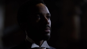 Clive Owen and André Holland discuss his skin color in The
