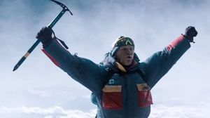 Get Buried on a Mountain in Trailer for 'Everest'