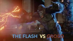 The Flash 2x07 The Flash vs Gorilla Grodd Fight Scene