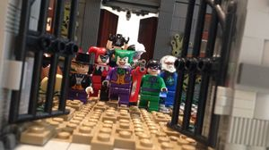 Australian Builder Spends 2 Years on Lego Arkham Asylum Cons
