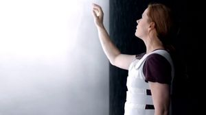 Sneak Peek at Amy Adams and Jeremy Renner's 'Arrival'