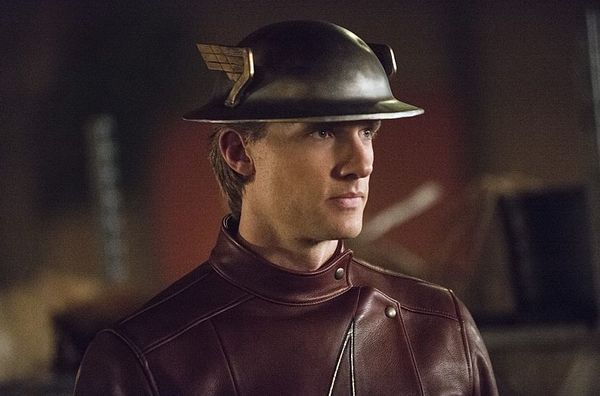 Flashes, Flashes, Everywhere: The Flash Season 2, Episode 2 Review
