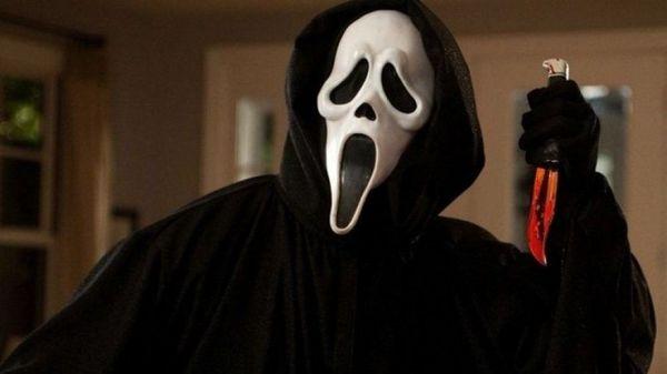 """Ready or Not"" duo Matthew Bettenelli-Olpin and Tyler Gillett will helm SCREAM 5"
